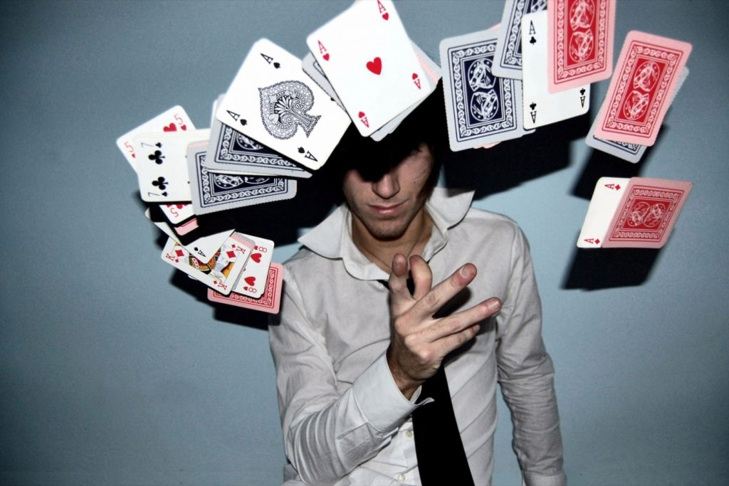 A Newbie's Guide to Live Online Casino Game